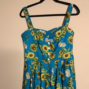Hell Bunny Large Sunflower Dress. New condition.
